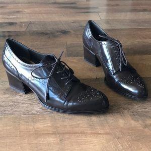 Stuart weitzman boots in size 8M